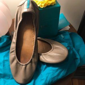 Tieks Taupe Leather Ballet Flats Size 9